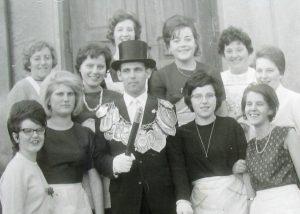 Brötchesmädchen 1964: König: Erich Klaes Foto: Thomas Schaaf