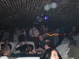 Aber auch die Stimmung in der Sektbar unten im Keller konnte sich sehen lassen. Foto: JSG Lantershofen
