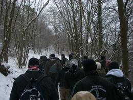 """Durch den ganzen Schnee war es eine """"richtige"""" Winterwanderung. Foto: JSG Lantershofen"""