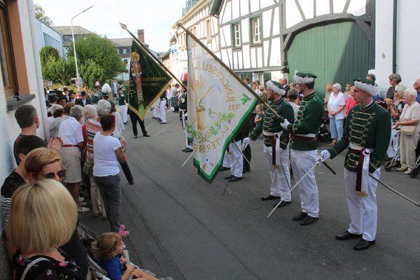 Nachmittags standen Platzkonzert und Parade auf dem Pogramm. Foto: Dirk Unschuld