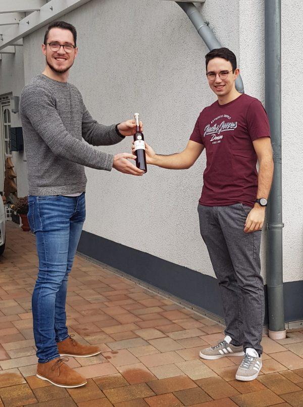 Als dritter konnte sich Nils Henscheid eine Flasche Kirschenlikör sichern. Foto: Marco Böhm